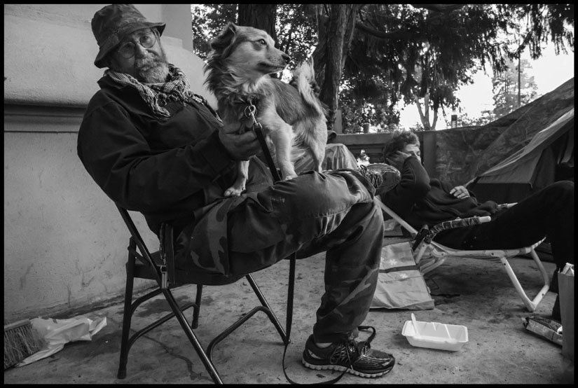 James Kelly lived with his wife in the Liberty City occupation outside Berkeley's Old City Hall. Photo by David Bacon